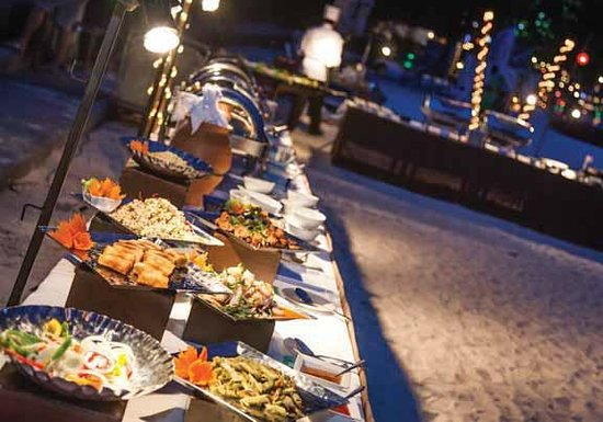 Chef's Table: Buffet night on the beach