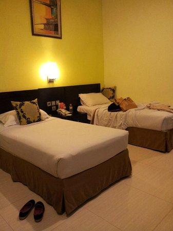 Garden Permata Hotel: the room2