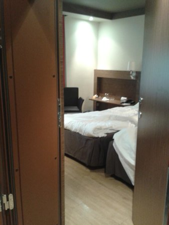 Park Inn Kaunas: Twin adjoining room