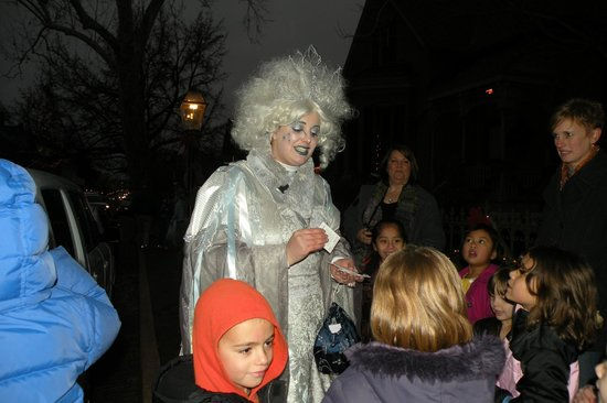 St. Charles Historic District: Ice Lady on St. Charles main street during Christmas