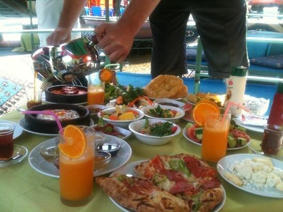 Dimcayi pinarbasi alabalik restaurant alanya restaurant for Alanya turkish cuisine