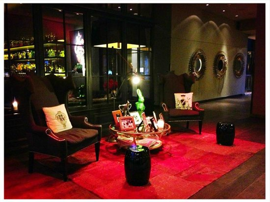 The George Hotel: The lobby