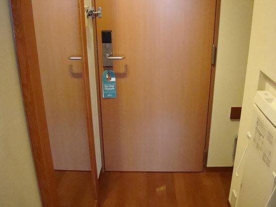 Hotel JAL City Haneda Tokyo: 客室内側のドア
