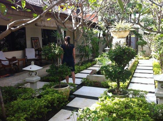 Frangipani Beach Boutique Hotel : Uitzicht vanuit onze kamer