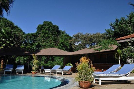 Hotel LaMada: Swimming Pool