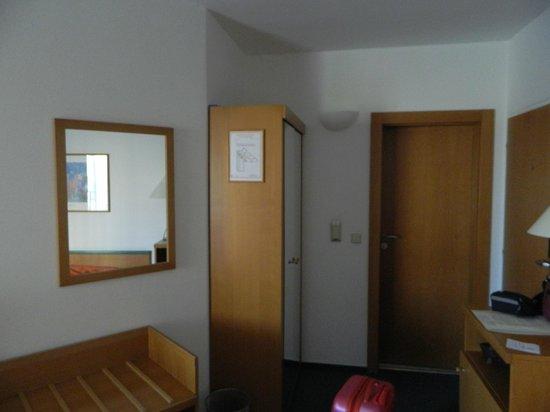 Hotel Troja: Номер