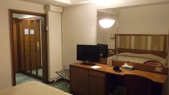 Best Western Hotel Plaza: La Camera - 02