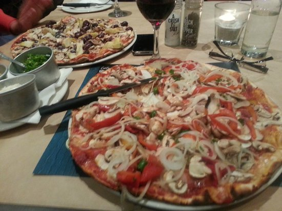 Col'Cacchio - Camps Bay: Good pizza