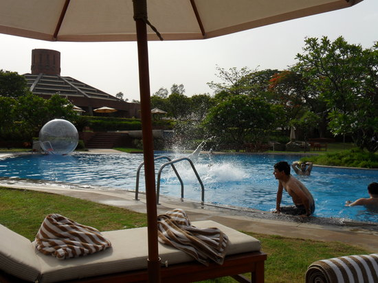 Westin Sohna Resort and Spa: Swiming Pool