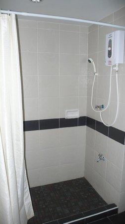 Princess Suvarnabhumi Airport Residence: душ