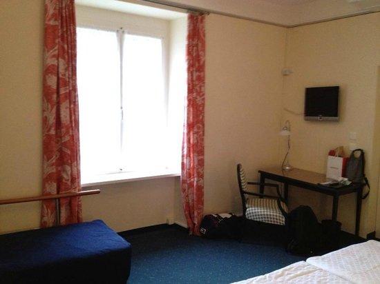 Grand Hotel Europe: Room