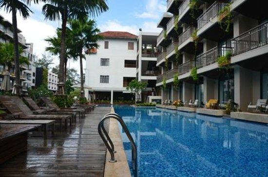 Baan Laimai Beach Resort: Бассейн