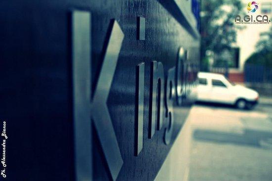 King Crimson Cafe : Insegna