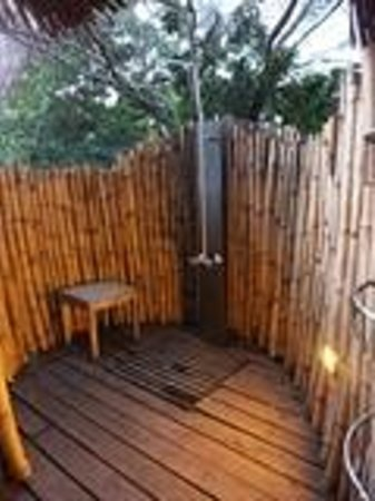 andBeyond Lake Manyara Tree Lodge: Wonderful Outdoor Shower