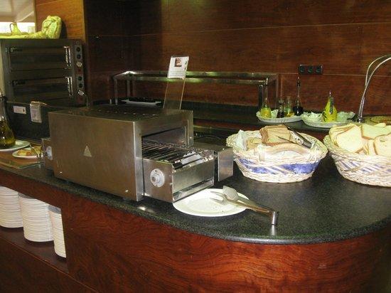 Sercotel Hotel Blaumar : buffet petit dejeuner
