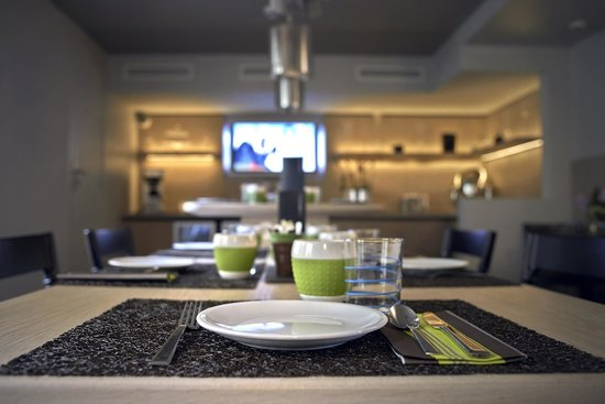 Hotel Le Marcel: Buffet