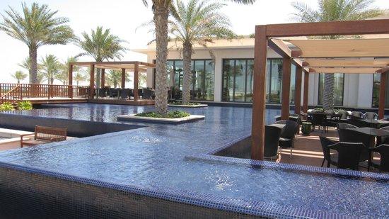 The St. Regis Saadiyat Island Resort: Fantastic Restaurant setting
