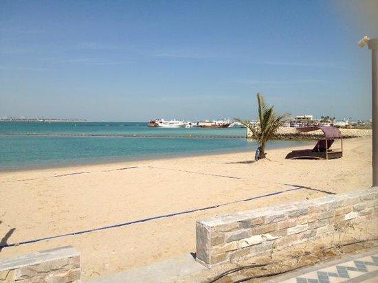 Sharq Village & Spa, a Ritz-Carlton Hotel : Beach