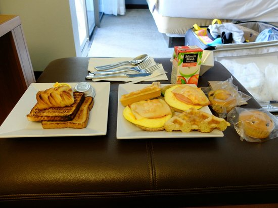 Hyatt Place Waikiki Beach: 朝食