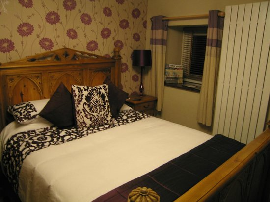 Llwyn Onn Guest House: The comfy bed