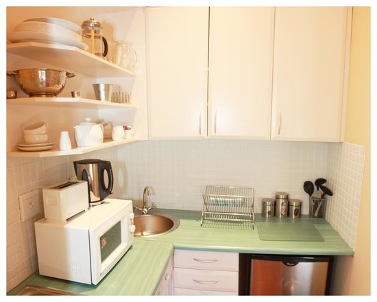 Daddy Long Legs Self-Catering Apartments: Kitchen