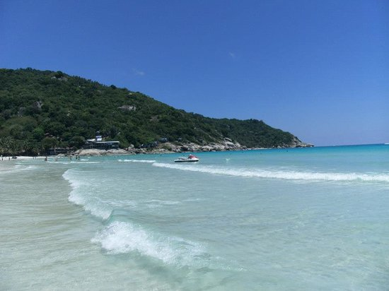 Jaya Hostel: the lovely beach ...