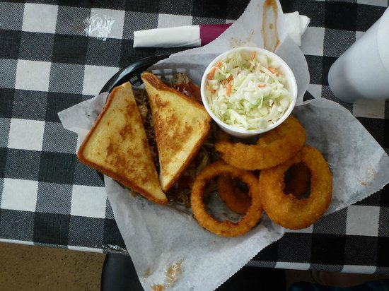 OUTBAK BBQ Shack: Pulled pork with Texas Toast, onion rings and slaw