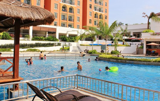 Bukit Gambang Resort City: Cabanas at the resort pool area.