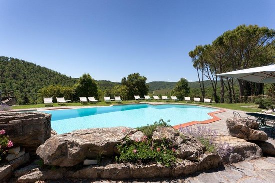 Castello di Spaltenna Exclusive Tuscan Resort & Spa: Outdoor pool