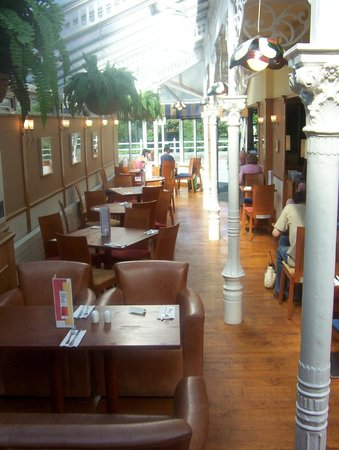 Grill Room : Daytime conservatory