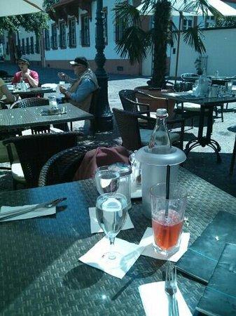 Cafe Am Ballplatz: hn