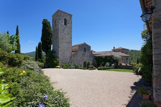 Castello di Spaltenna Exclusive Tuscan Resort & Spa: Church and Entrance