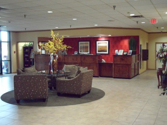 Clarion Hotel Conference Center South : Lobby