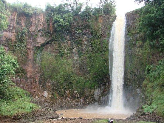 Araraquara, SP: cachoeira