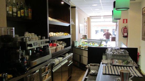 Restaurante village cafe en fuengirola con cocina otras - Cocinas fuengirola ...