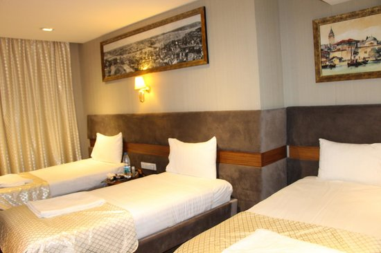 "Nowy Efendi Hotel ""Special Class"" : Our tripple room"
