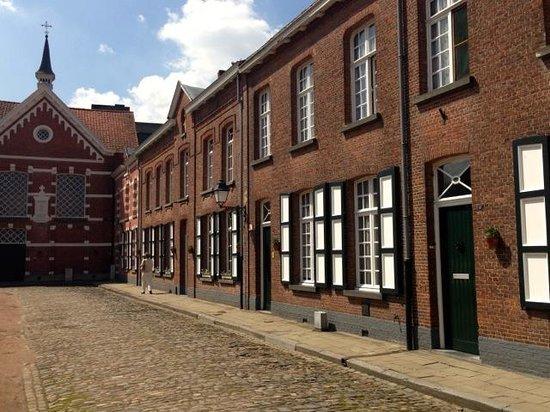 Groot Begijnhof: House fasade