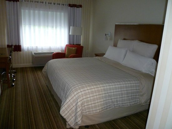 Four Points by Sheraton Cambridge / Kitchener: Kingsize Zimmer