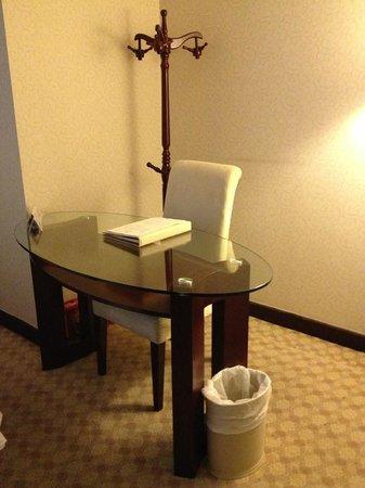 Majestic Hotel: Working Area
