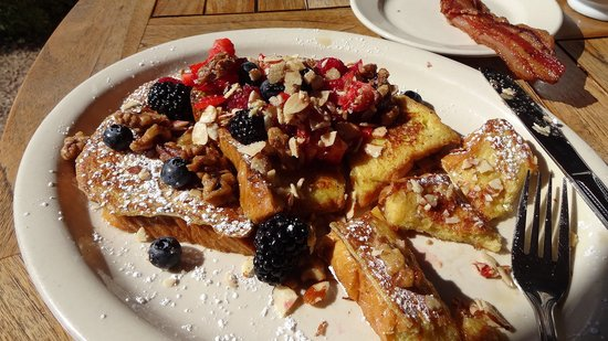 The Breakfast Club: Cinnamon Challah French Toast, oh my.
