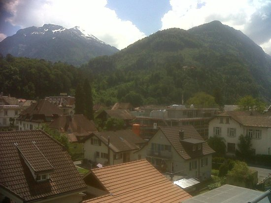 Hotel Lotschberg & Susi's B&B: View from Window