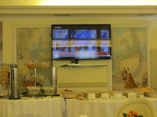 Hotel de Paris Sanremo: TV dominates Brakfast