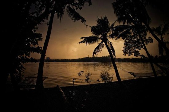 Ashtamudi Villas: Cloudy sunset