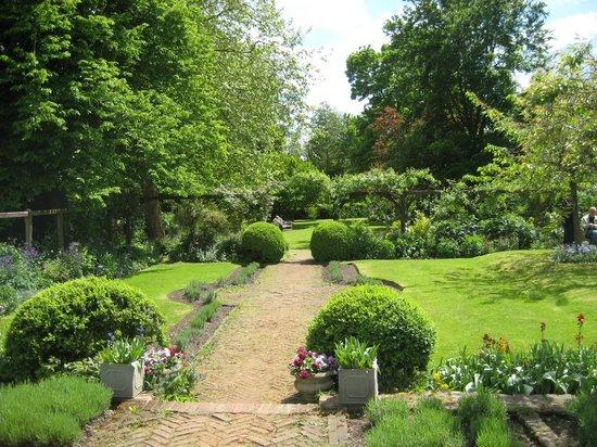Paycocke's House and Garden: Paycocke's Lower Garden