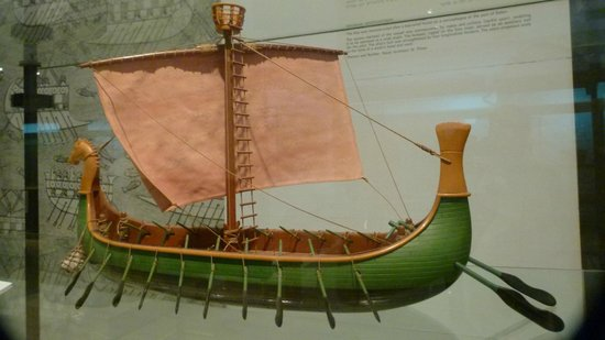 National Maritime Museum : Wooden Model of Egyptian Warship, ca. 1200 BCE