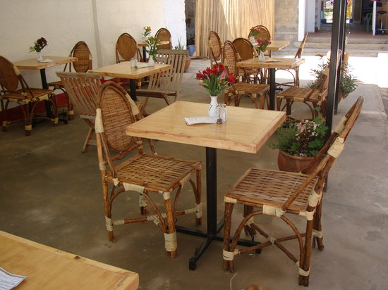 The Courtyard Cafe: Table & Chairs
