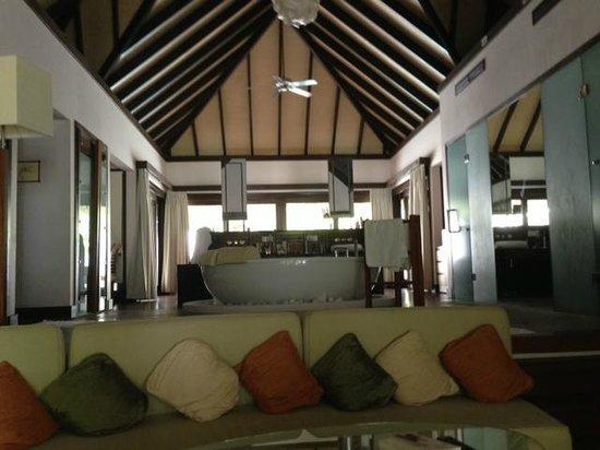 كوكو بودو هيثي: Inside Villa
