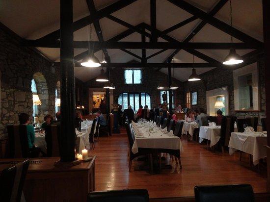 Viewmount House: VM Restaurant