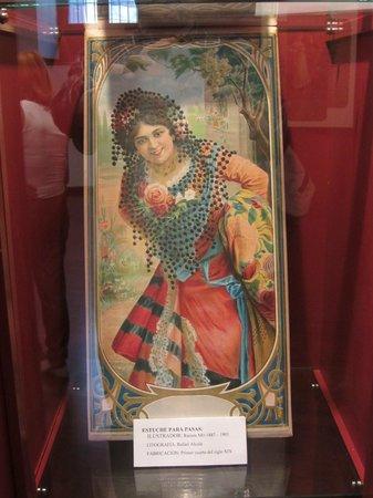 Museo del Vino Malaga : A wrapper for raisins.