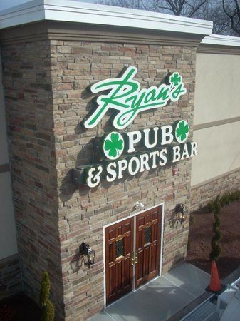 Ryan's Pub & Sports Bar